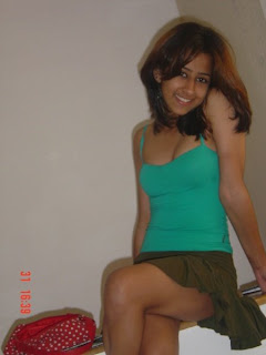Indian teen girls hot and sexy pictures taken around parties, bedrooms, homes and bathrooms