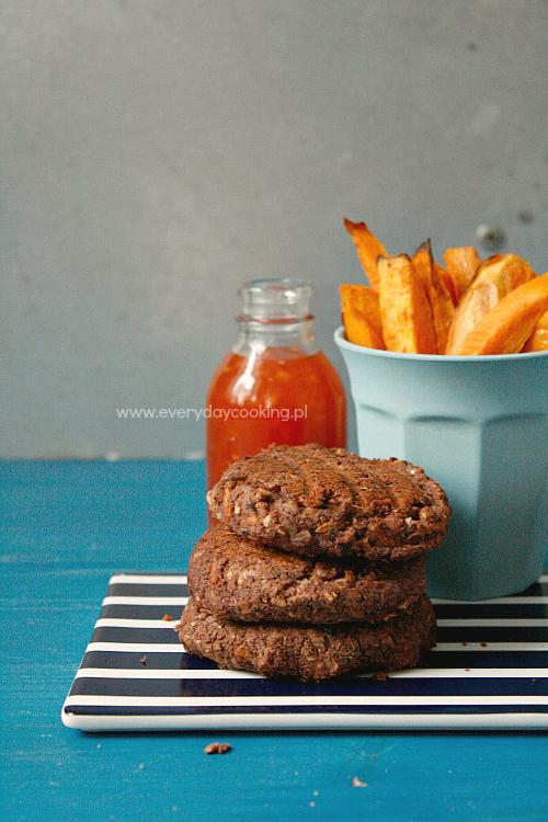 Burgery z czerwonej fasoli i marchewki