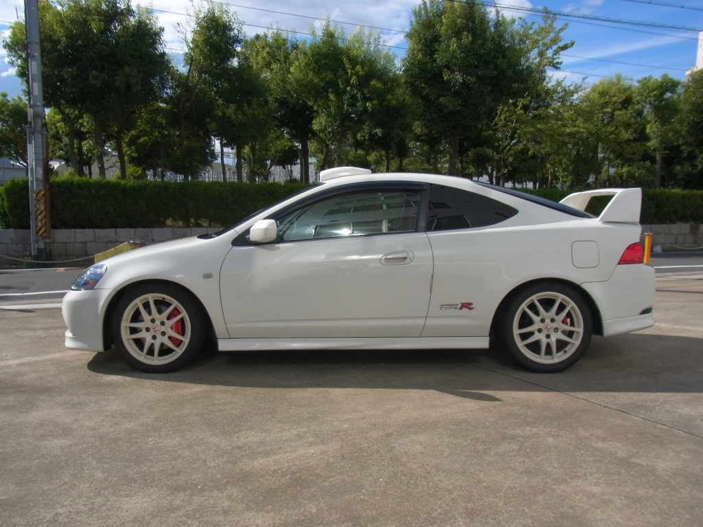 Japanese car review honda integra type r dc5 for 2012 honda accord oil type
