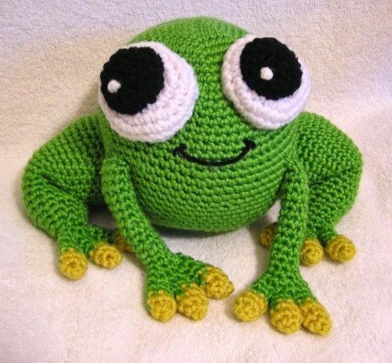 https://www.etsy.com/listing/56998669/pdf-crochet-pattern-amigurumi-pudgy-frog?ref=favs_view_6