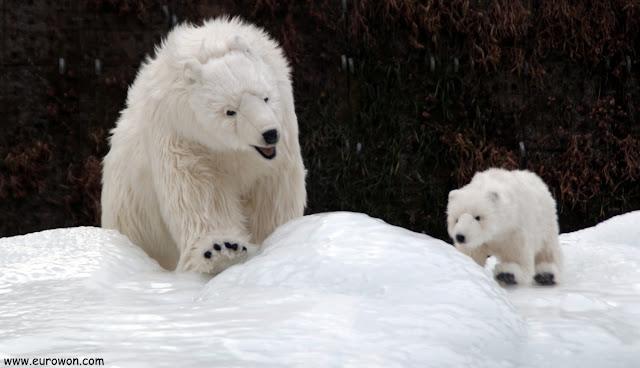 Osos polares de peluche