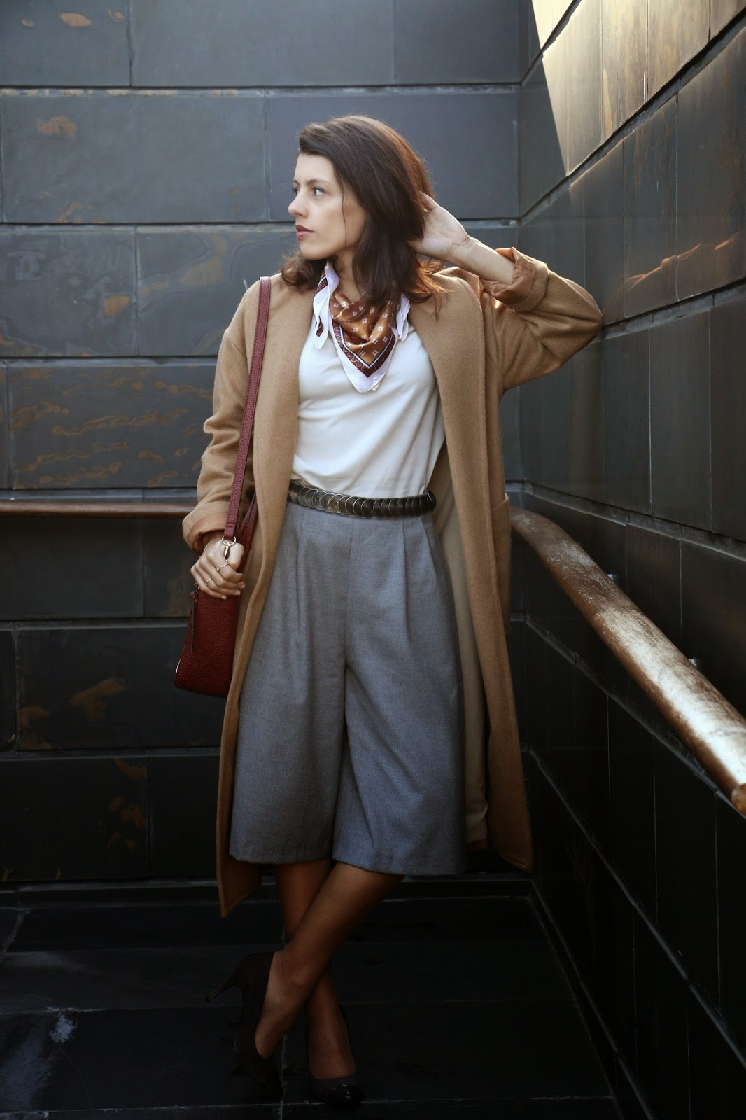 http://ilovefitametrica.blogspot.pt/2015/01/grey-culottes.html