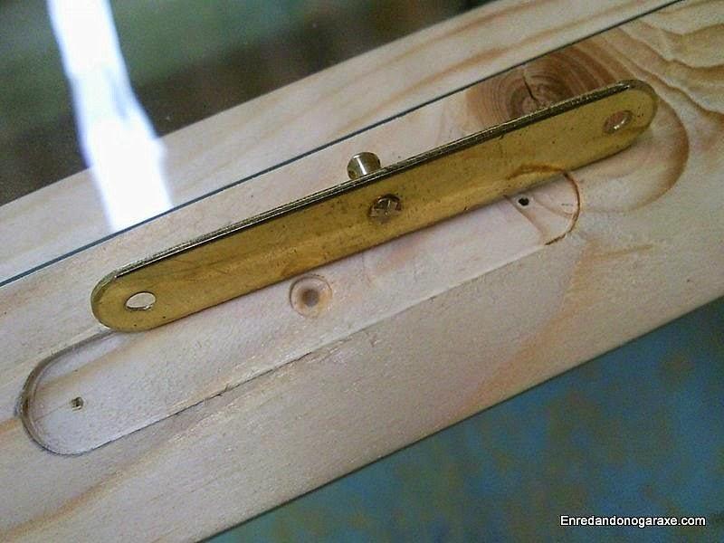 Fresar la caja para la chapa de la ventana. Enredandonogaraxe.com