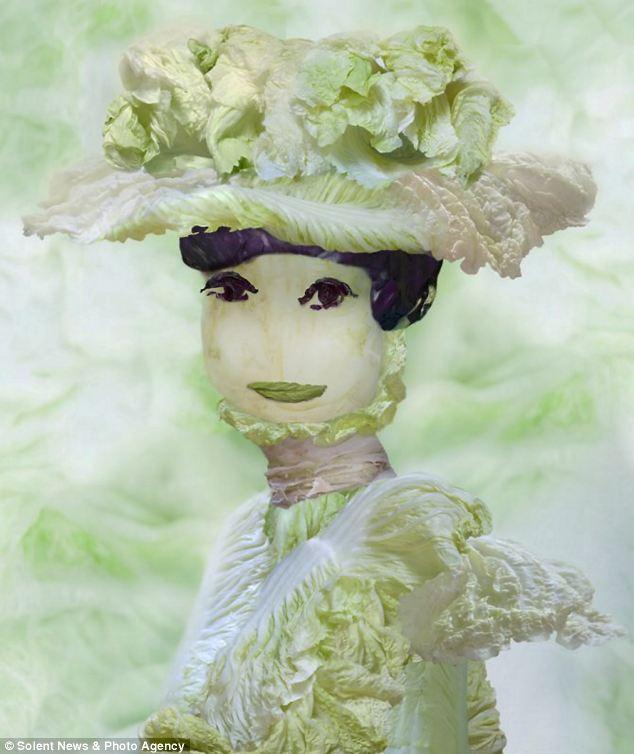 فنانة صينية تبدع في إستخدام  ورق الملفوف LEAF+ART+6