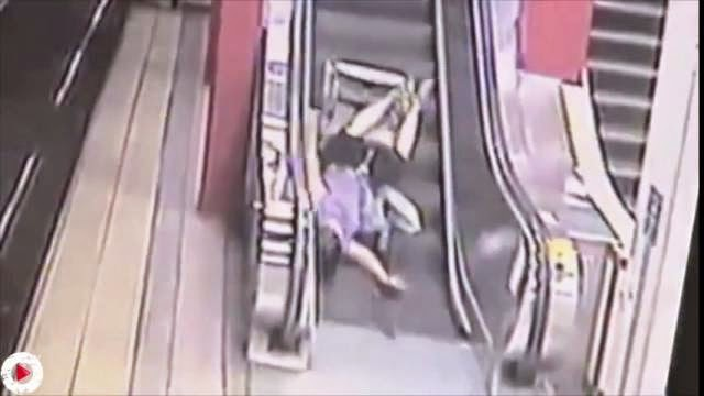 Escalator FAIL Compilation, les pires accidents d'escalier roulant