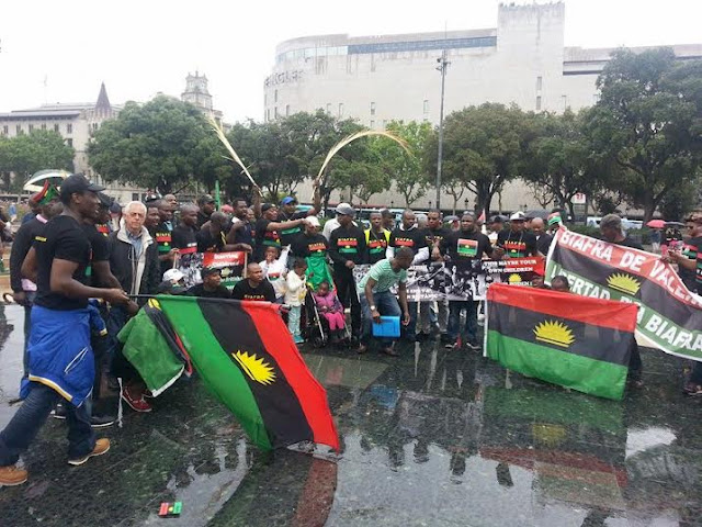 Nigerian supporters kicked out for waving biafran flag in senegal