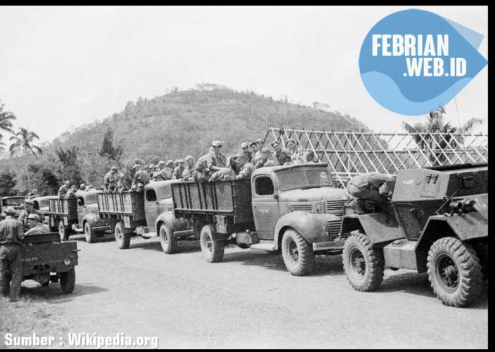 Iring-iringan truk infanteri Belanda saat Operasi Produk, Aksi Polisionil Belanda yang pertama.