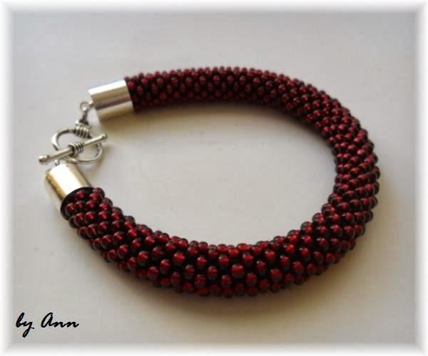 wąż koralikowy ciemno czerwona wiśniowa kolor wina