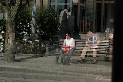 spöke, ghost, bänk, bench, old man, young man, foto anders n