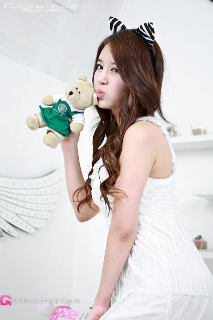 3 Yoon Joo Ha in White - very cute asian girl - girlcute4u.blogspot.com