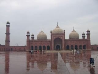 Masjid Badshahi di Lahoredi, pakistan,data 7 masjid terbesar dan termegah