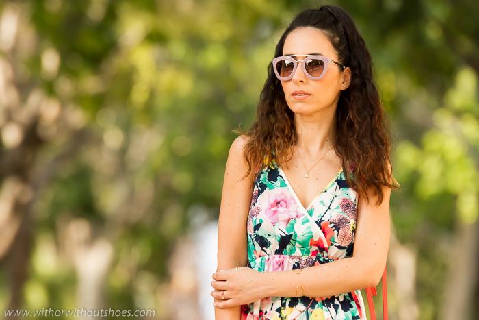 BLogger española con vestido y joyas de Tous