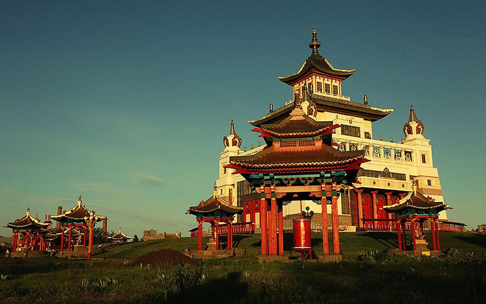 http://2.bp.blogspot.com/-fwlZWcAMFNM/UH6Tn1YyW4I/AAAAAAAAFgI/vLvmthwSnw4/s1600/elista-vacation-russia-1200.jpg