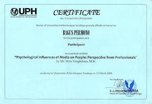 Piagam Penghargaan dari UPH Surabaya di Bidang Jurnalisme Entrepreneurship dengan RCTI..!!