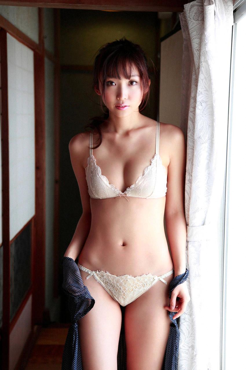 risa yoshiki sexy lingerie photos 01