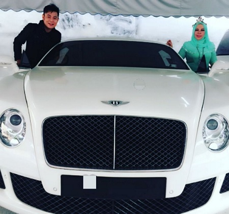 Bently Putih Kepunyaan Dato' Seri Vida