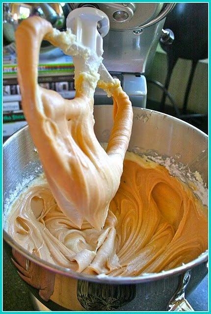 Salted Caramel Frosting | Rincón Cocina