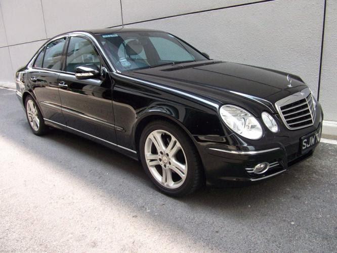Cho thuê xe cưới Mercedes E200 đời mới nhất tại Hà Nội 2