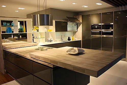 cuisine laqu e marron glac. Black Bedroom Furniture Sets. Home Design Ideas