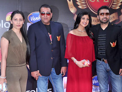 Sanjay Dutt, shilpa and others at Super fight league event