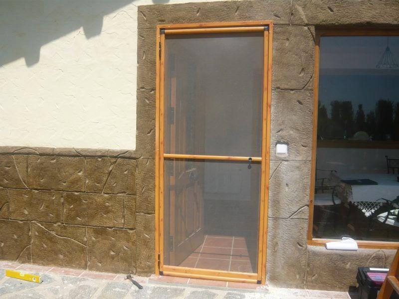 Mosquitera de puerta abatible mosquiteras murcia - Como hacer una puerta rustica ...