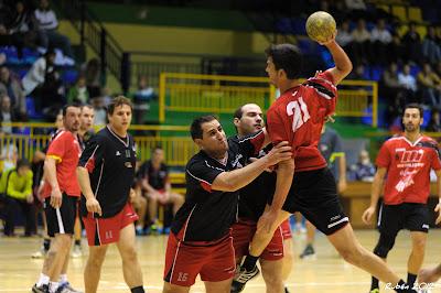 Imagen de un partido del Balonmano Bejarano