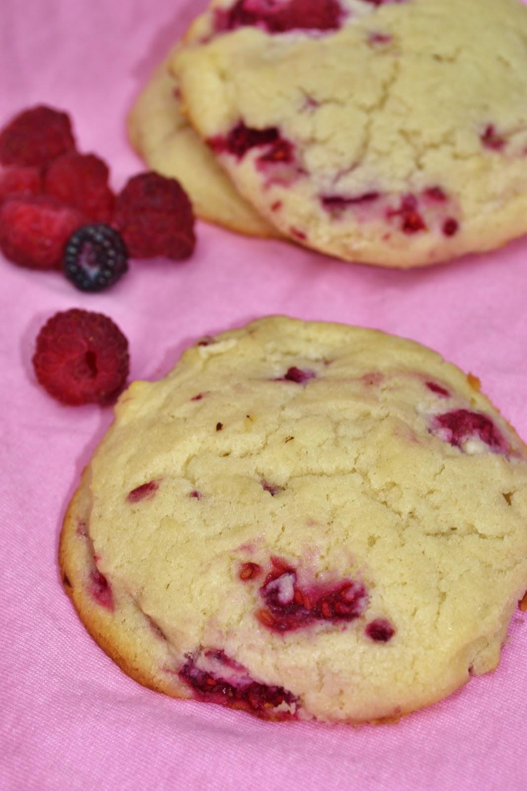 Sweet Morris: Raspberry Cheesecake Cookies