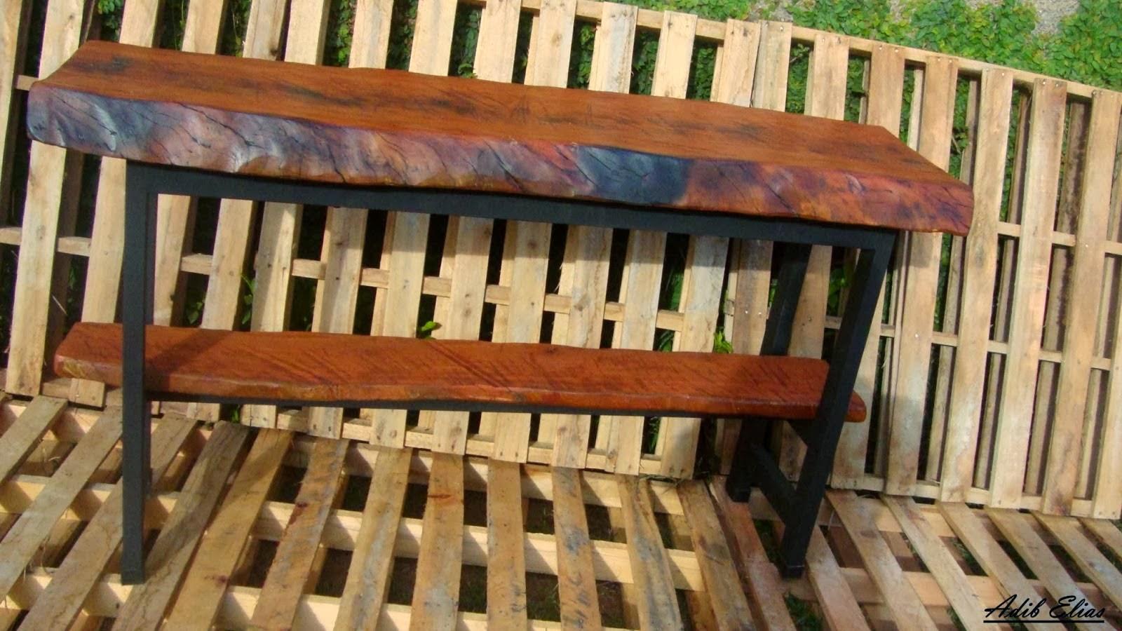 Aparador de madeira reciclada com base de pés de máquina de costura  #AA7522 1600x900