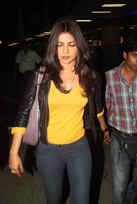 priyanka chopra snapped at airport hot photoshoot