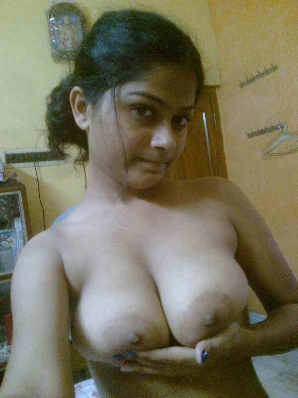 Indian girls nude boobs pics