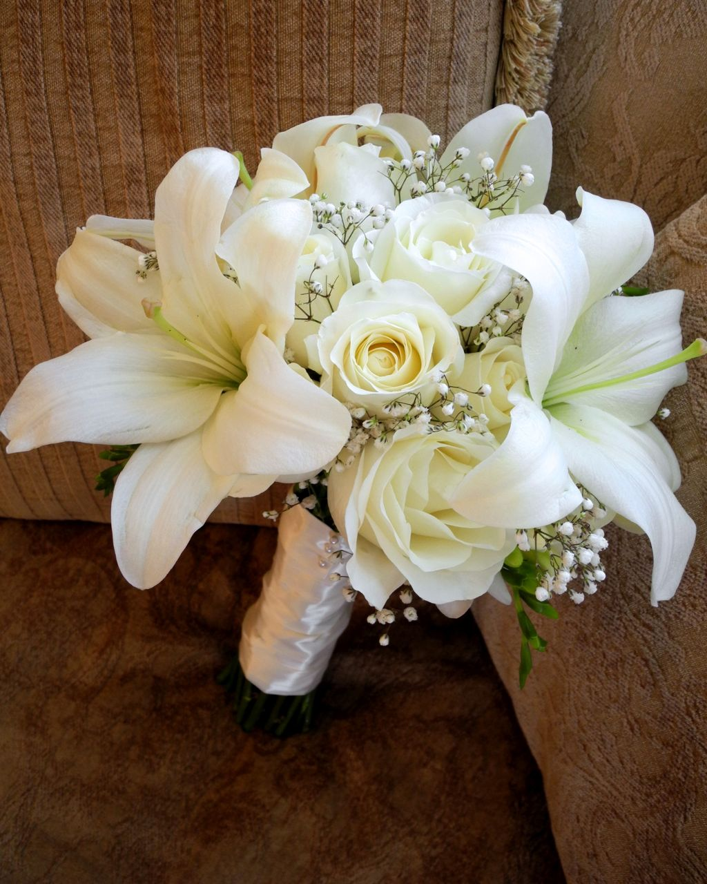Wedding Flowers Roses And Lilies : The flower girl white bridal bouquet