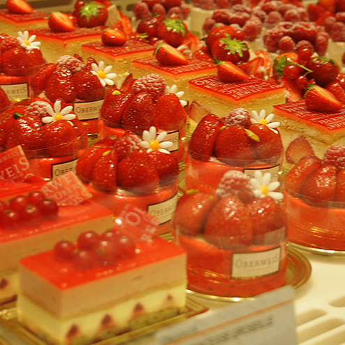 Cakes in Luxembourg, Oberweis | Happy in Red