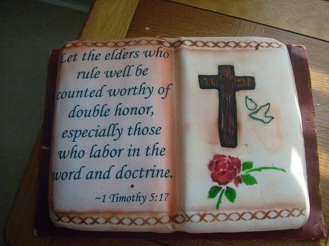 Pastor Appreciation Cake http://tastefullyyourstreatsandmore.blogspot.com/2011/02/pastor-appreciation-2010.html