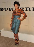 """Solange%2BBurberry3 Solange Knowles en total look Burberry pour le lancement du parfum """"Burberry Body"""""""