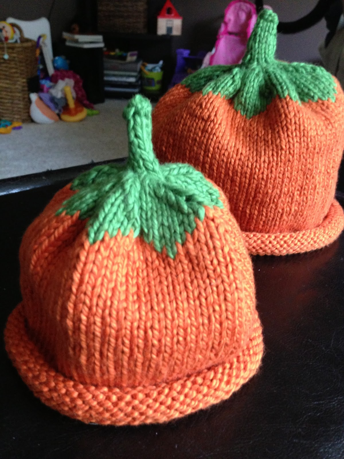 Pumpkin Hat Knitting Pattern : Knitted Pumpkin Hats for Wee Ones Rebecca Mongrains Blog
