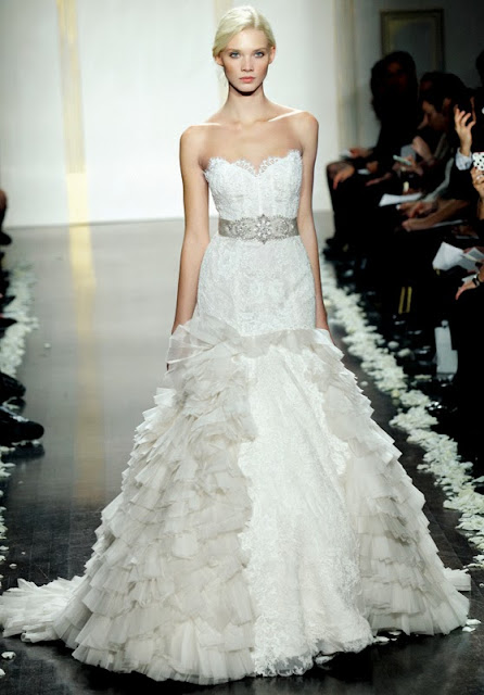 The french touch i like a little lace for Lazaro lace wedding dress