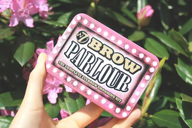 brow kit W7