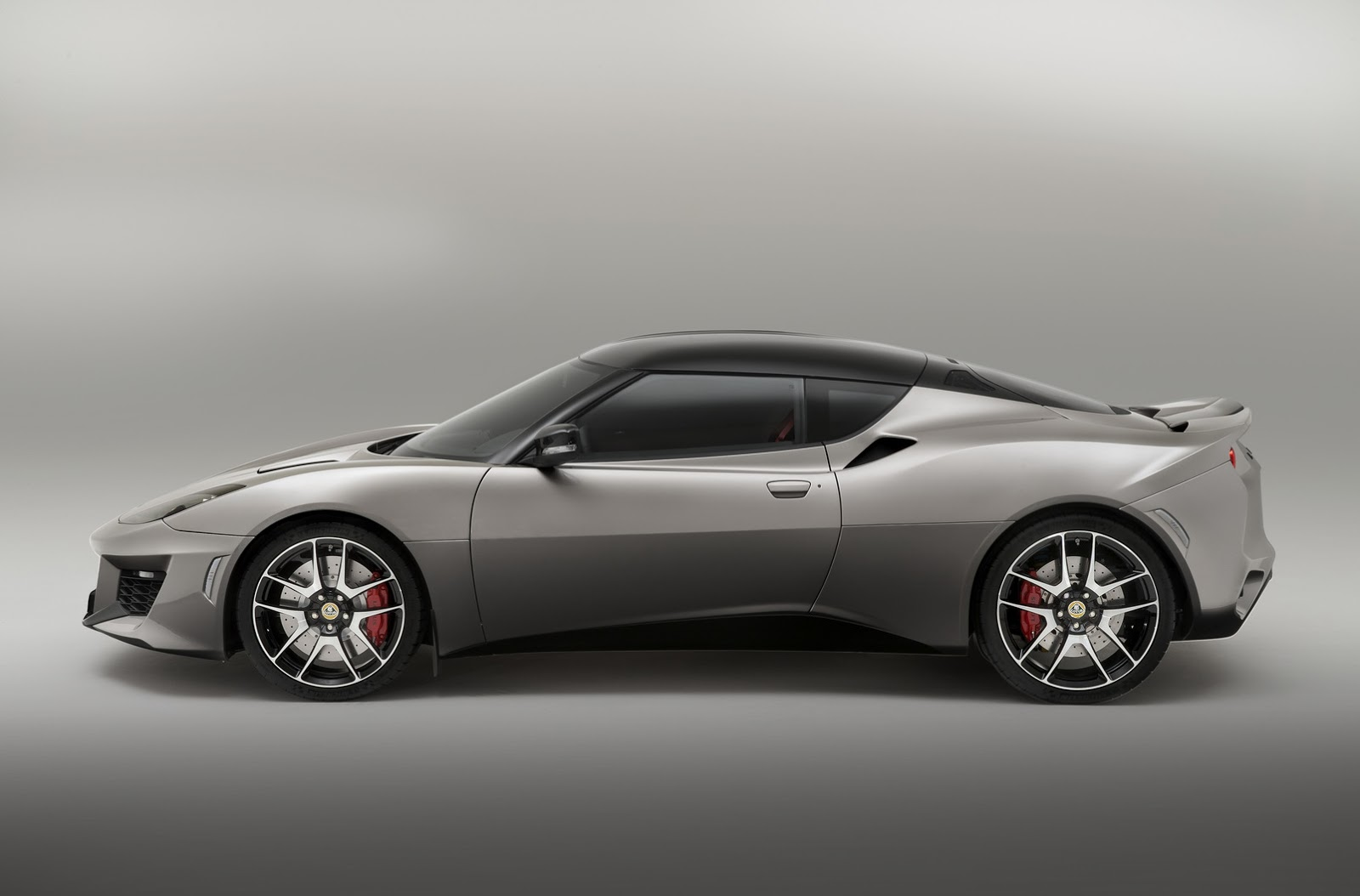 new lotus evora 400 has fresh looks more power and less. Black Bedroom Furniture Sets. Home Design Ideas