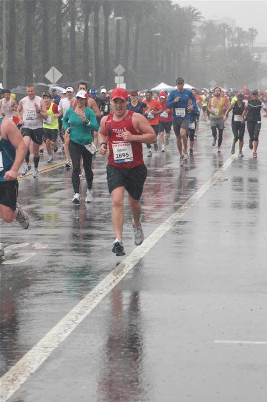 Sprinting final miles LA Marathon 2011