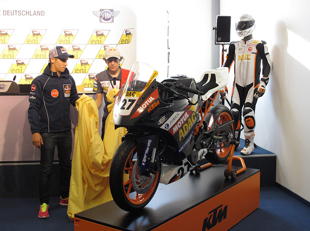 2014 KTM RC390 unveiled | 2014 KTM RC390 Specs | 2014 KTM RC390 wallpaper | KTM RC390 | ADAC Junior Cup