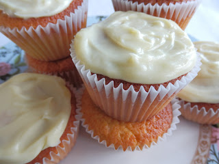 Almond, Honey and White Chocolate Cupcakes