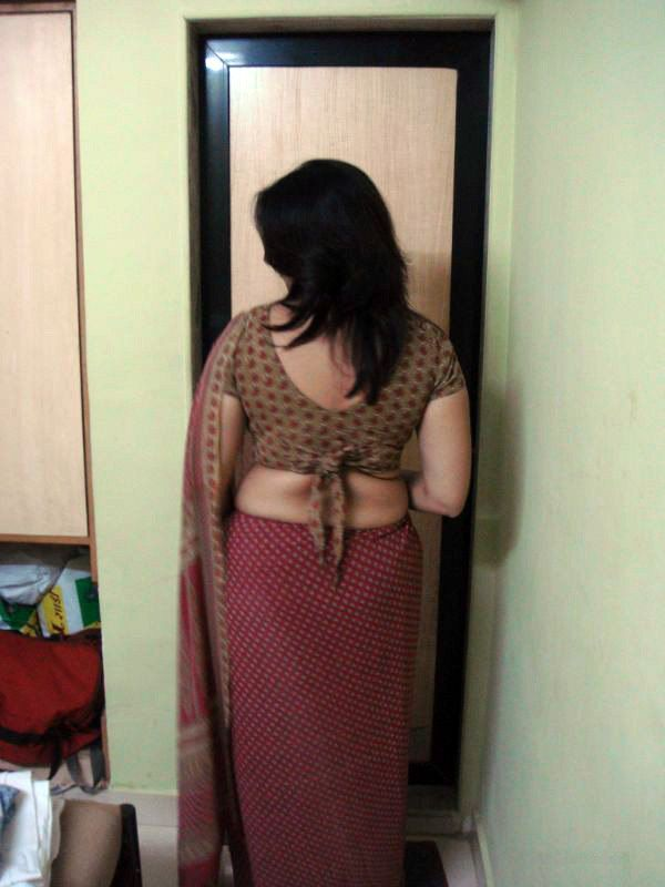 ... Aunty Photos HOT AUNTY BLOUSE BACK-MILKY WET BLOUSE BACK | REAL LIFE