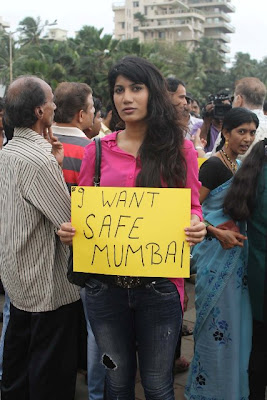 Bollywood stars protest against rape case in Mumbai