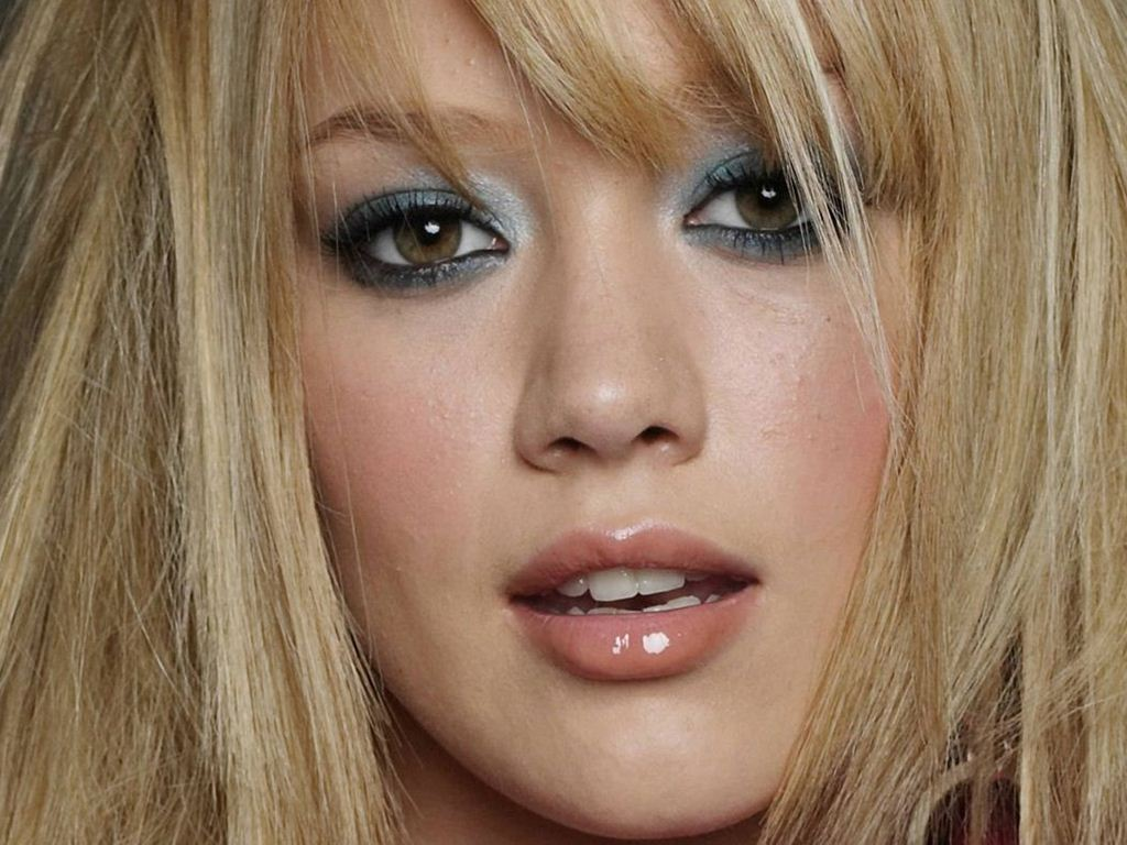 Hilary Duff Smile Pictures To Pin On Pinterest Pinsdaddy