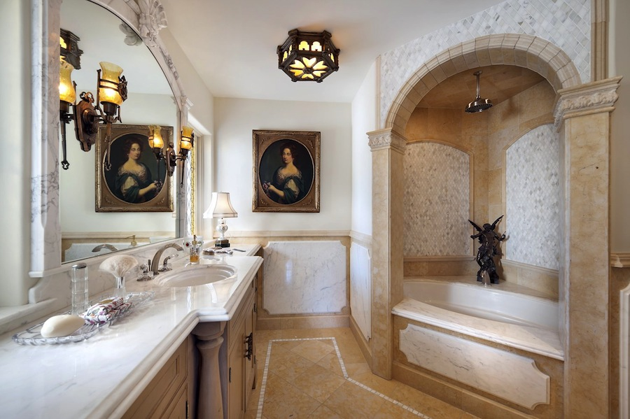 Old world gothic and victorian interior design february for Gothic bathroom ideas