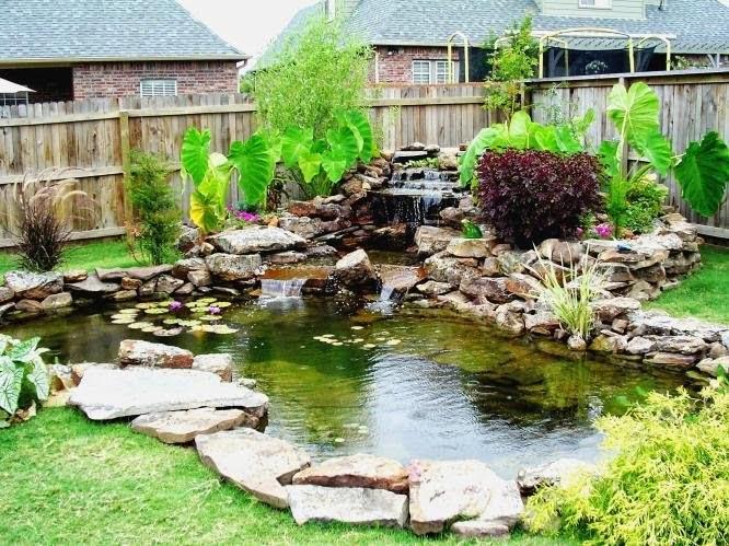 kolam ikan di taman minimalis