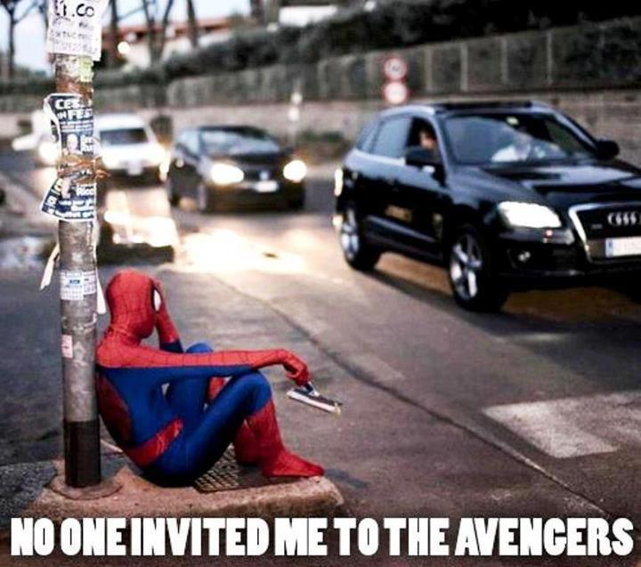 Las imagenes graciosas del día Nobody-invited-spiderman-to-avengers