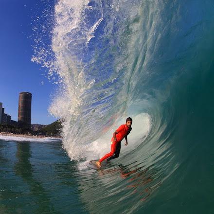 FOTOGRAFIA NO SURFE: A ARTE DE REGISTRAR A CORAGEM E A NATUREZA