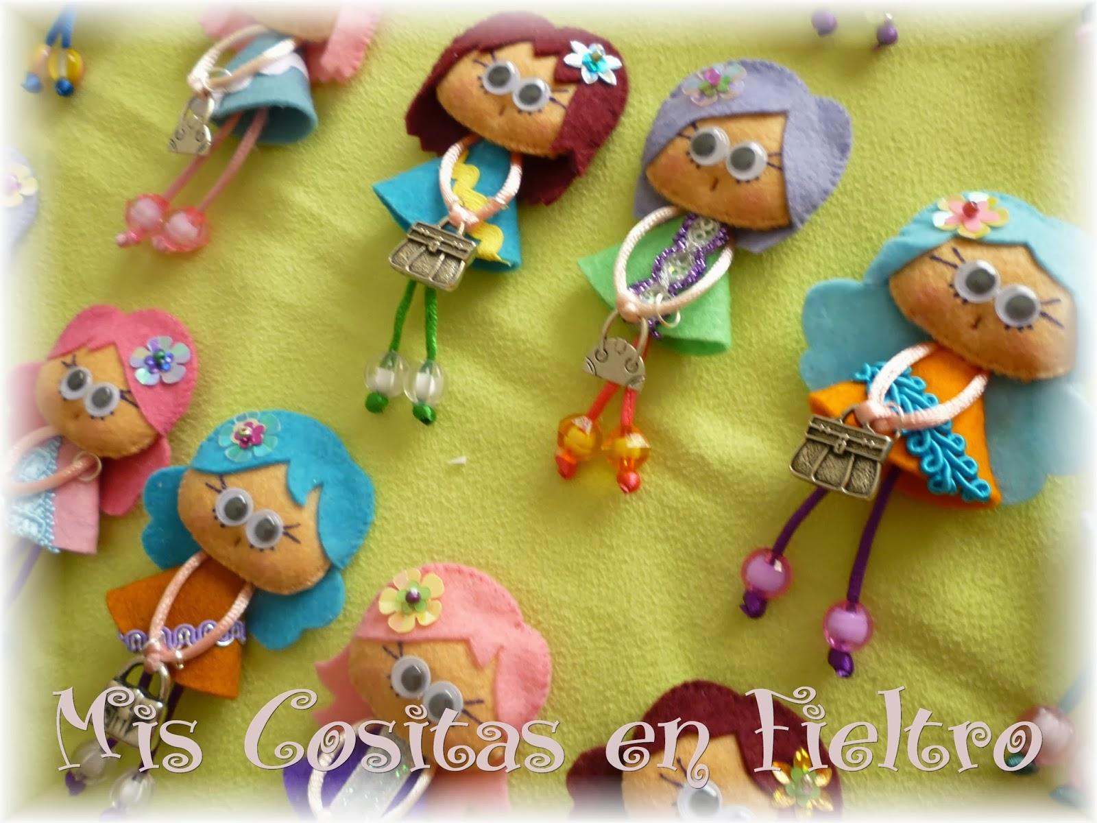 boda, souvenir boda, regalo boda, detalle boda, Pequechiñas, muñeca, fieltro, broche de fieltro, felt pin,