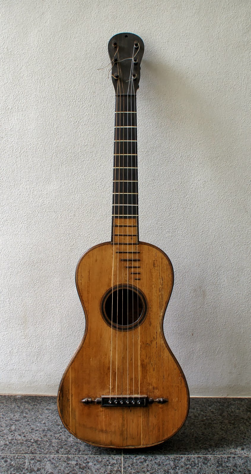 Romantic And Old Guitars Augustin Claudot Guitar 1810
